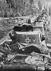 Німецькі танки на марші. Фото 1941 року
