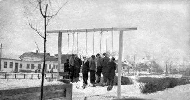 Шибениця на Сінній площі Новограда-Волинського (січень 1943 року)