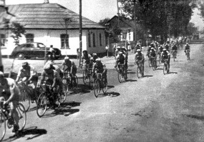 Велоперегони вулицею Прорізною (з 14 квітня 1961 року — Гагаріна)