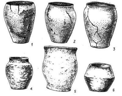 Кераміка празько-корчакської (1–3) і пеньківської (4–6) культур