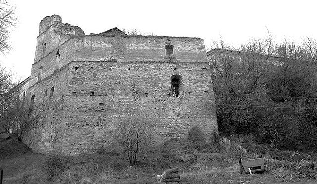 Залишки Клеваньського замку