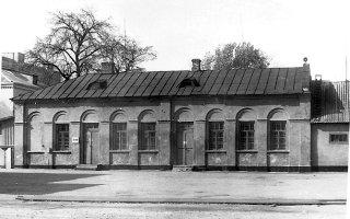 Складське приміщення комплексу поштової станції у м. Новоград-Волинський. Фото 2006 р.