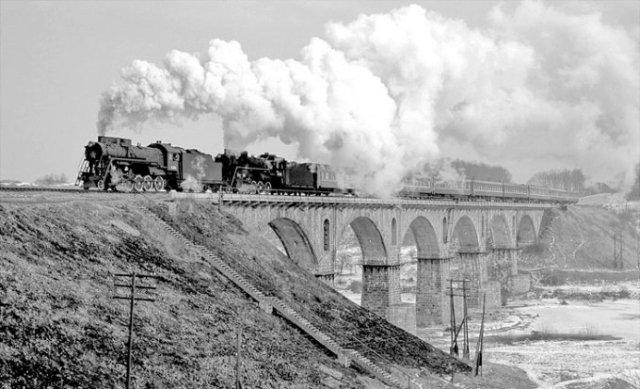 Залізничний міст через р. Случ на північній околиці Новограда-Волинського