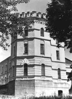 Башта будинку Б.С.Мєзенцева. Фото 2006 р.