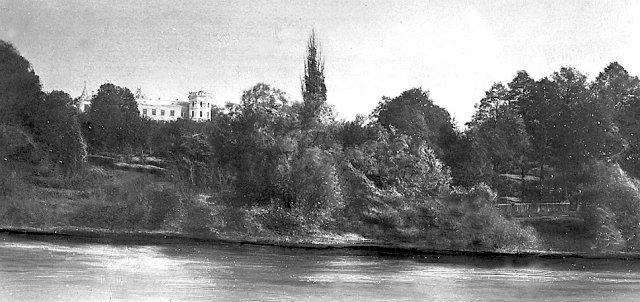 Будинок і дендропарк Мєзенцевих у Ново-Звягелі з боку ріки Случ бл. 1913 р. (з родинного альбому Гуннара Бюфіка)