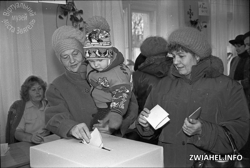 II тур виборів Президента України – 1999. На виборчій дільниці